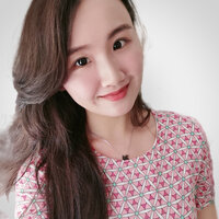 New media master student offering English lessons and singing, dancing and playing the piano