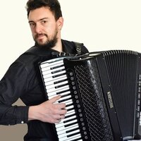 Professional accordion teacher with 8 years of experience gives a online lessons to students all ages and location