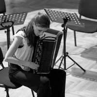 Professional accordionist with MA degree in Music Performance,  from begginer to advanced  level