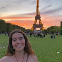 Bonjour! I am a university student from New Zealand who speaks French and would love to teach others